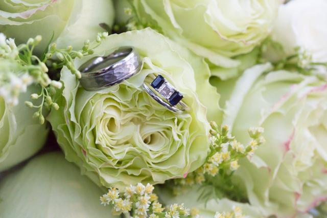 Signing Bouquet Garter Toss Rings (40 of 40)